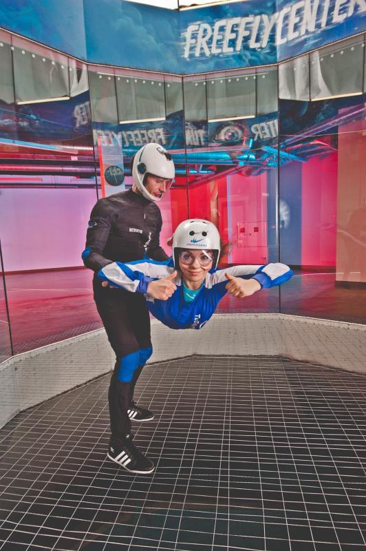 Loty waerotunelu – poczuj się jak podczas skoku spadochronowego!