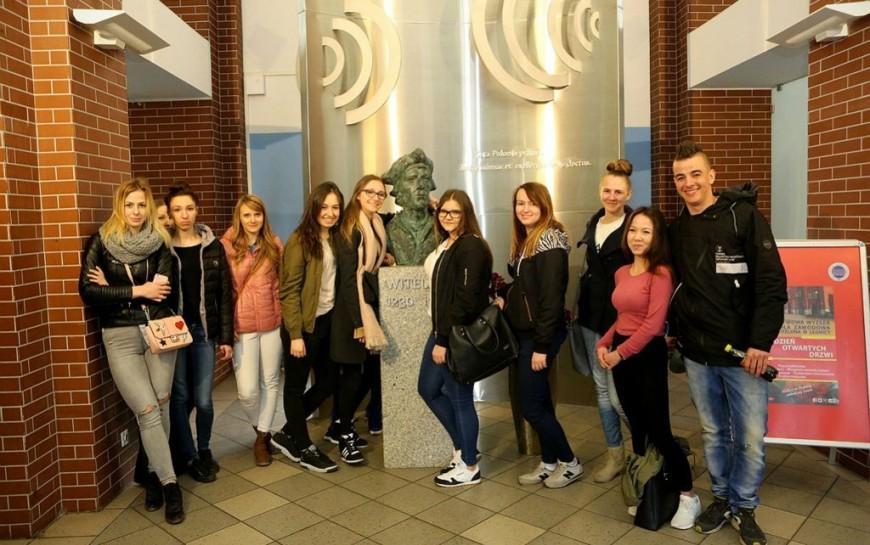 Wydział nauk społecznych ihumanistycznych PWSZ wLegnicy zaprasza na studia